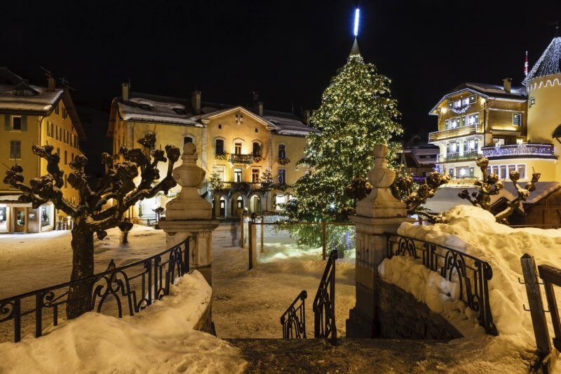 megeve at night under the snow